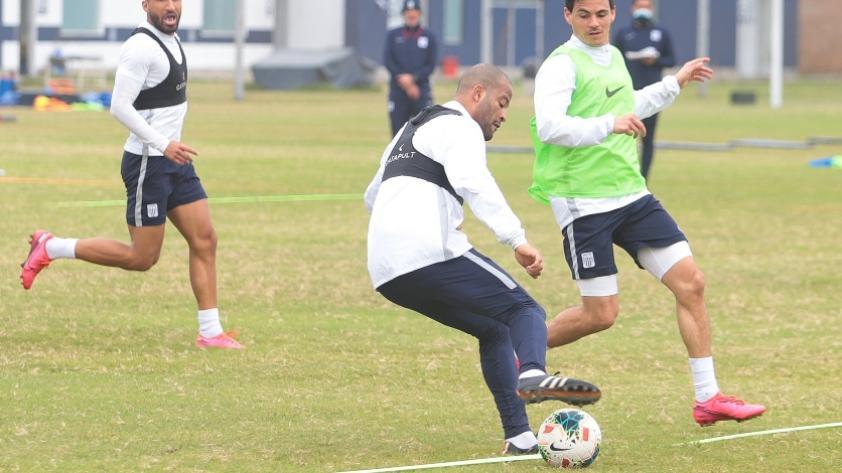 El posible once de Mario Salas para el partido amistoso ante Deportivo Municipal (FOTOS)