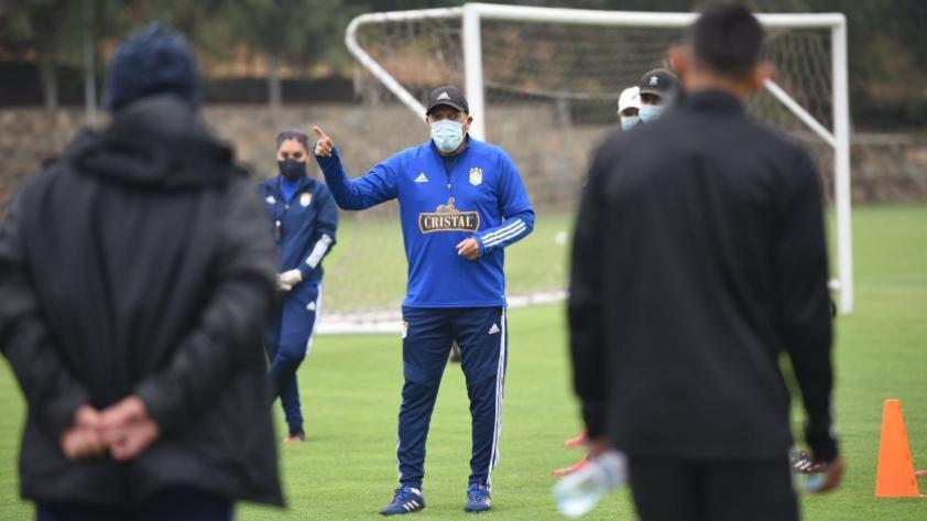 """Roberto Mosquera: """"Las autoridades deben entender que el Perú necesita fútbol, pero uno disciplinado"""""""