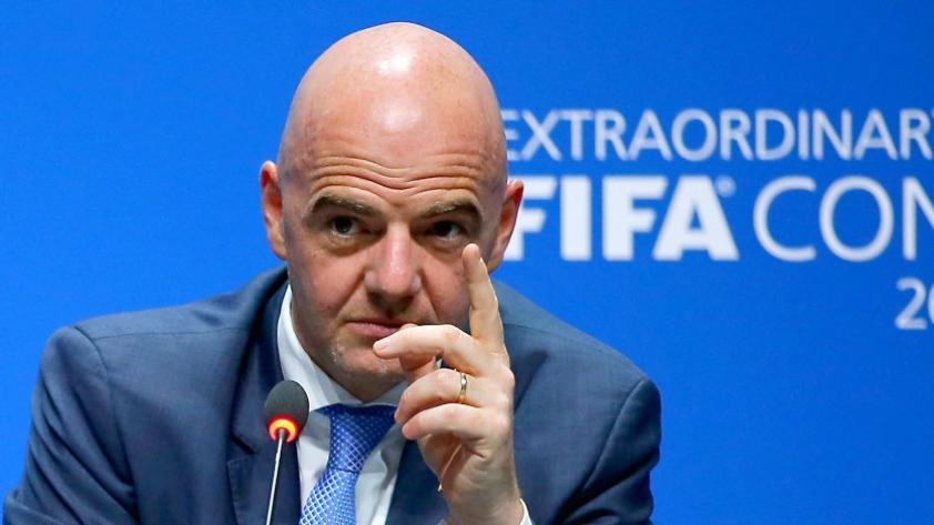 A capa y espada: FIFA se defiende y asegura que Giani Infantino no cometió ninguna irregularidad
