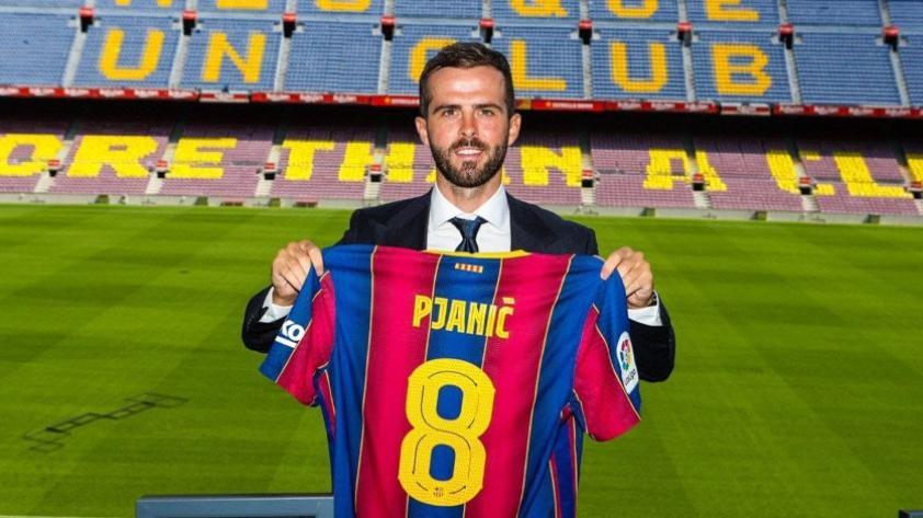 Barcelona hizo oficial la contratación de Miralem Pjanić en el Camp Nou