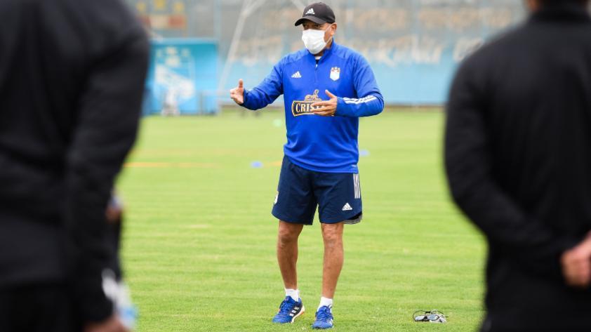 """Roberto Mosquera: """"Siempre he sido criticado por jugar bien"""""""