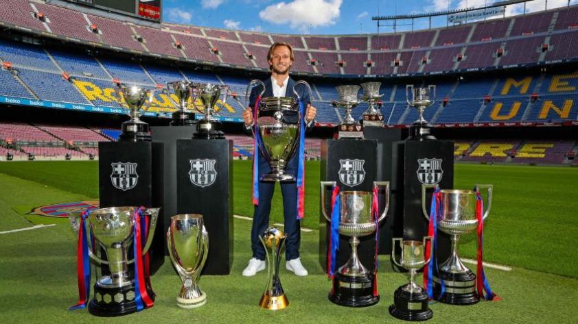 """Ivan Rakitić: """"Fue muy lindo con el Barcelona, donde viví los mejores momentos de mi carrera de club"""""""