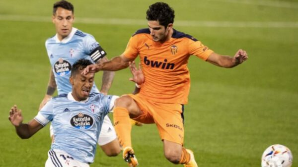 Renato Tapia salió lesionado en el triunfo del Celta de Vigo por 2-1 ante Valencia por la segunda jornada de La Liga