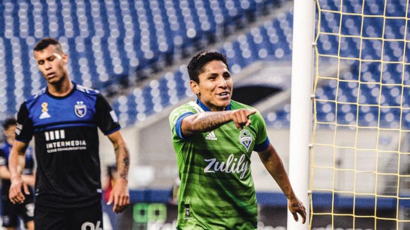Raúl Ruidíaz fue elegido en la oncena ideal de la MLS y sigue dejando huella en el fútbol norteamericano