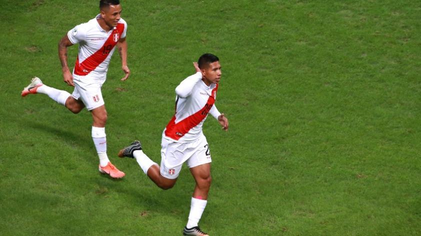 En fotos: los 50 partidos de Edison Flores con la Selección Peruana