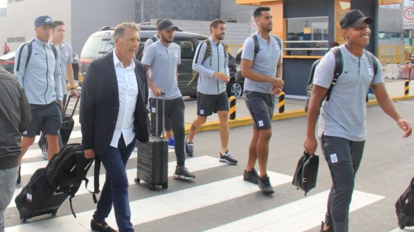 Alianza Lima viajó a Ecuador y presentó su lista de jugadores para el primer amistoso contra Barcelona de Guayaquil (FOTOS)